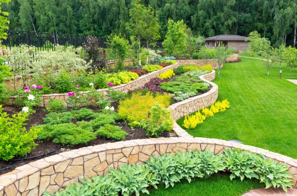 WHY BUSINESSES SHOULD INVEST IN COMMERCIAL LANDSCAPING IN DALLAS